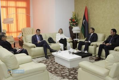 رئيس مجلس المفوضية يستقبلُ السفيرة الفرنسية .. ويجتمعُ مع نائبة السفير الهولندي