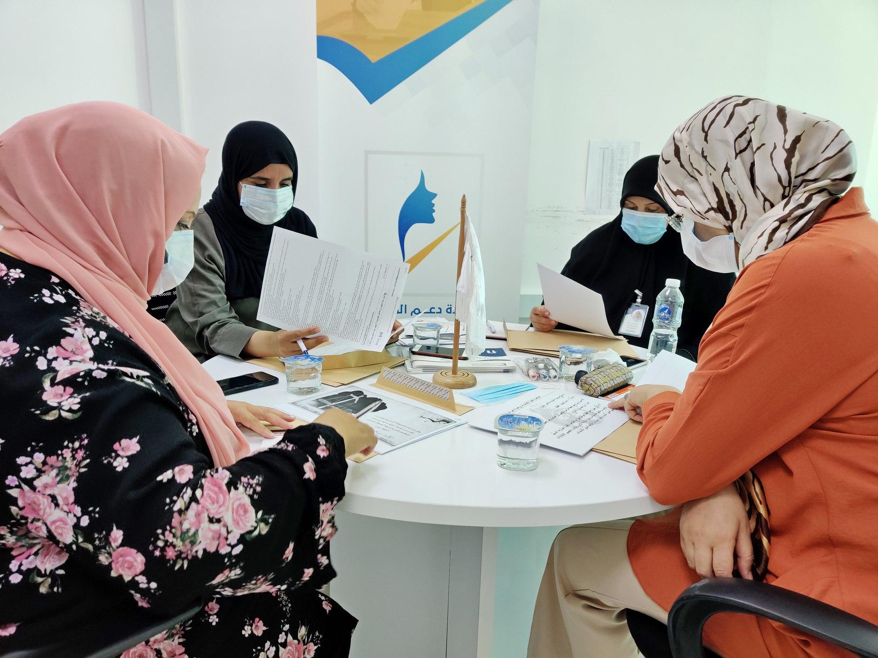 وحدة دعم المرأة تبحث المقترحات المقدمة من سفيرات التوعية الانتخابية