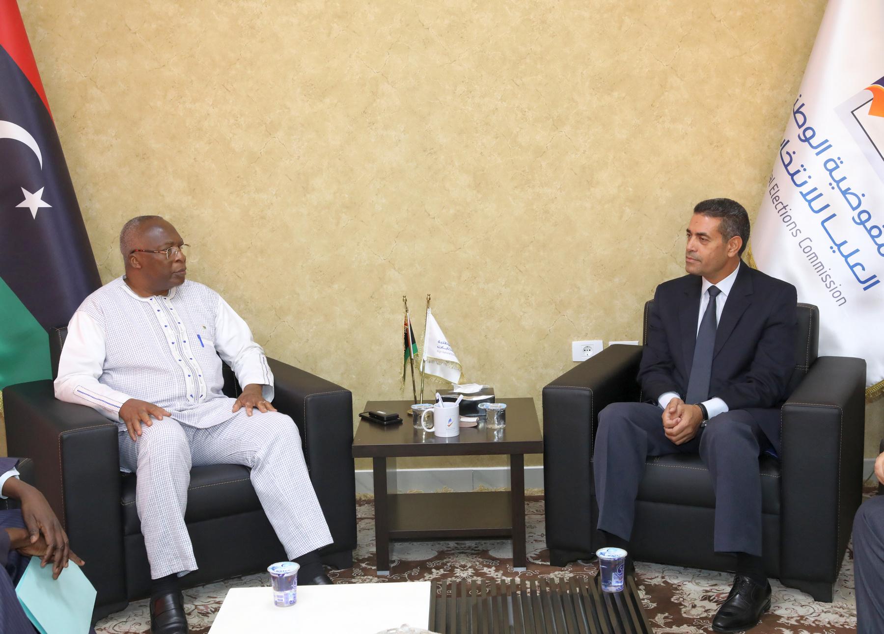 المفوضية تستلم دعوة رسمية لمراقبة انتخابات جالية بوركينا فاسو في ليبيا