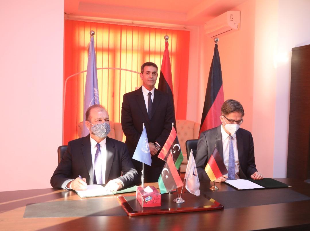 """بحضور المفوضية برنامج الأمم المتحدة الإنمائي والحكومة الألمانية يوقعان اتفاقية  لدعم مشروع """"بيبول """"."""