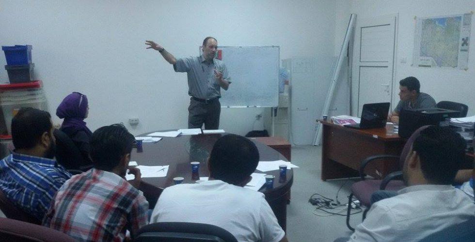 افتتاح دورة تدريبية جديدة لموظفي مركز الاتصالات